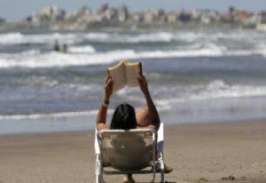 SOL Y PLAYA, EN LA COSTA ARGENTINA